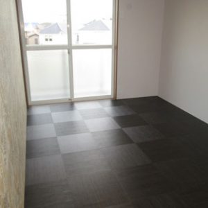 After:築古3DK「建具はそのまま活かし、床材やアクセントクロスでイメージアップ&コストダウン!」