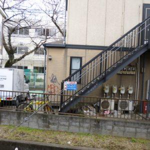Before:築17年アパート「外観、屋根、設備塗装」落書き対策塗料で再発防止!