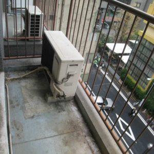 Before:「事務所⇒住居/室内洗置」ダイノックシートで建具もリニューアル!