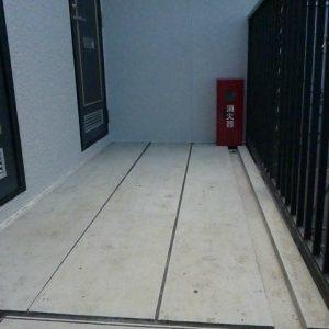 After:築17年アパート「外観、屋根、設備塗装」落書き対策塗料で再発防止!